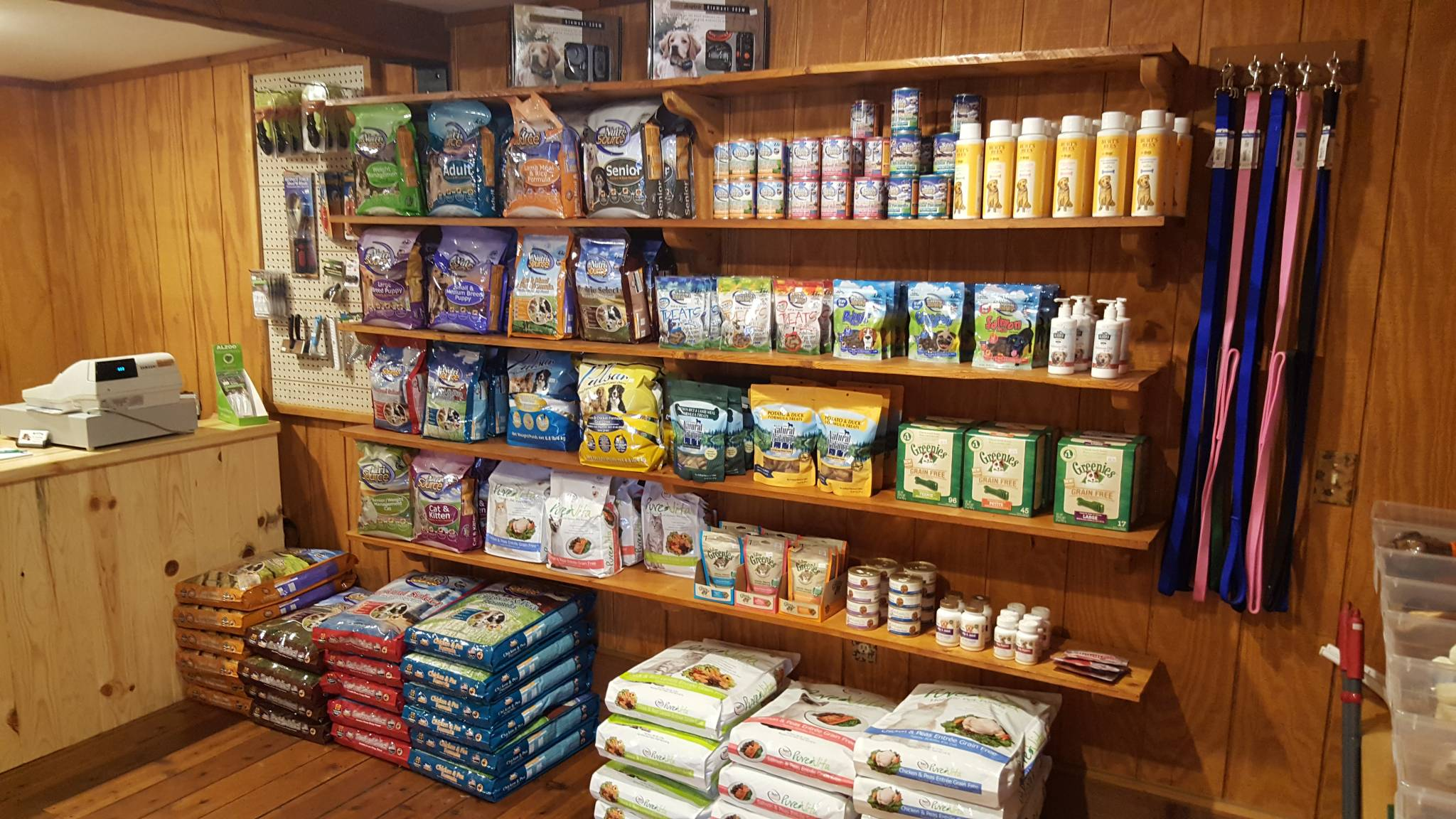 Pet Supply Store in Northern Wisconsin | Pet Food Store
